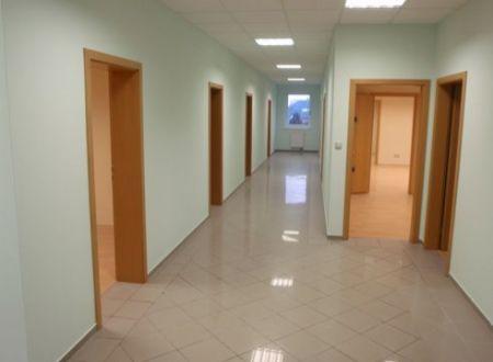Kancelária na prenájom 24,33m2, parkovanie v cene, novostavba, Hradská ul.