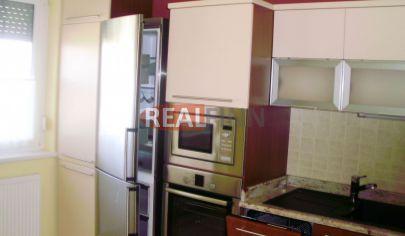REALFINN - NOVÉ ZÁMKY - Exkluzívny 2 izbový byt na predaj s kompletným zariadením na sídlisku Juh