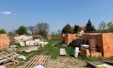 ASTER PREDAJ: stavebný pozemok priamo v centre Rovinky