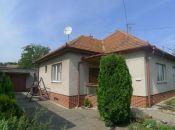 Topoľčany - 3 izbový dom vhodný aj na podnikanie