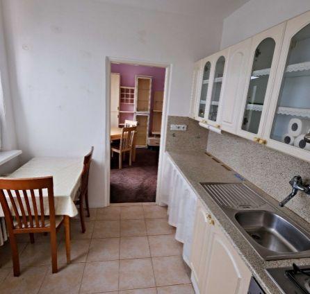 StarBrokers- PREDAJ: RESERVÉ!!! Tichý a slnečný 2-izb.byt, Jurigovo nám.- Karlova Ves
