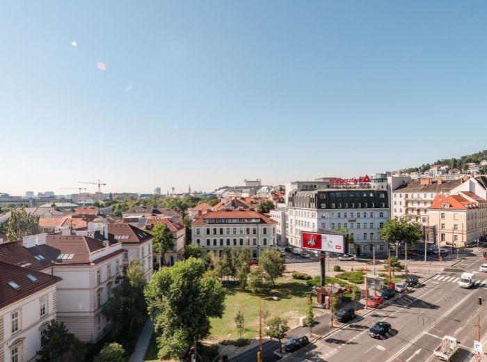ŠANCOVÁ, 3-i byt, 110 m2 - GARÁŽOVÉ STÁTIE, výhľad na SLAVÍN A HRAD, centrum, PROVÍZIU NEPLATÍTE