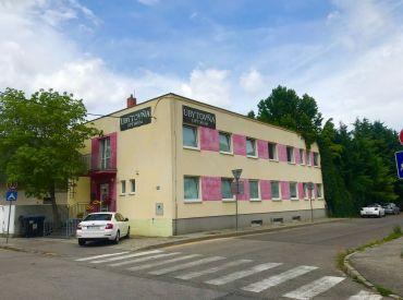 Predaj administratívnej budovy s výbornou polohou v Bratislave na Vietnamskej ulici.