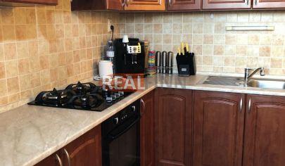 REALFINN - ŠURANY - 3 izbový byt na predaj s kompletným zariadením