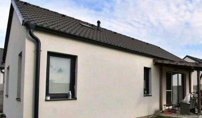 Predaj – Samostatný 3 izbový rodinný dom, novostavba, terasa, záhrada – RAJKA / HU.TOP PONUKA ! EXKLUZÍVNE