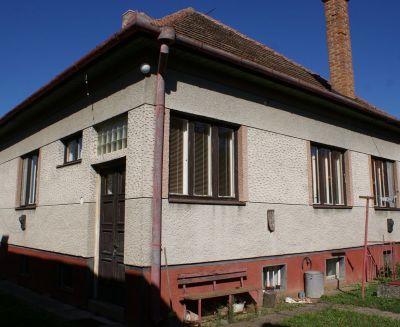 Na predaj 4 izbový rodinný dom 3200 m2 Nedašovce 109001