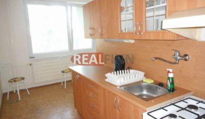 Realfinn- na prenájom 2 izbový byt s balkónom Nové Zámky