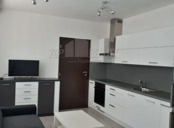 2  izbový byt v centre Malaciek