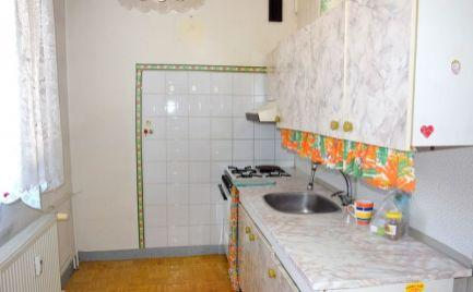 DMPD real Vám ponúka na predaj 2-izbový byt na Starom sídlisku v Prievidzi o rozlohe 52 m2.