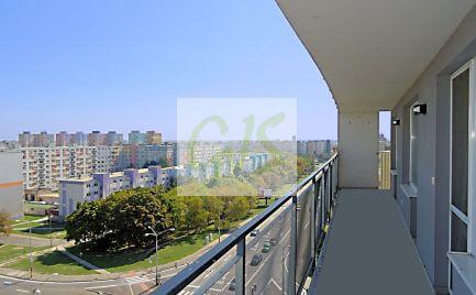 TOP cena - Veľký 2i, ihneď prerobiteľný na 3-izb. byt, loggia + 20 m2!