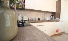 Priestranný 3 izbový byt na predaj, Nové Zámky /82 m2/