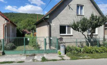 Ponúkam rodinný dom v Bojniciach časť Dubnica.
