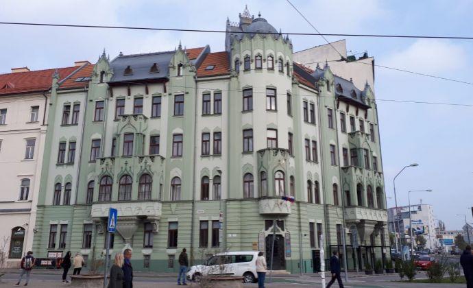 Kancelárie v centre Bratislavy, 118 m3, Šafarikovo nám., Bratislava