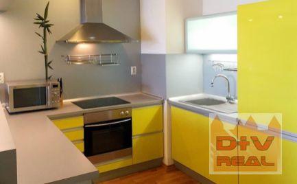 D+V real ponúka na prenájom: 2 izbový byt, Zadunajská cesta,  Bratislava V,  Petržalka, loggia,  zariadený, parkovacie státie