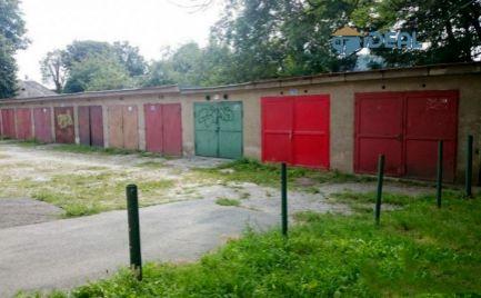 murovanú garáž, Pavlovičovo nám.