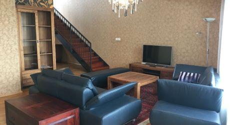 Prenájom nadštandardného 4 izbového bytu s 2 státia na Drieňovej ulici v Ružinove