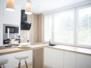 BEDES| 2 izbový prerobený veľkometrážny byt,66m2