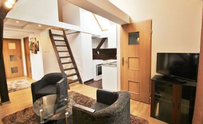 Predaj rodinného domu s 3 bytovými jednotkami, aj ako výborná investícia s nájomníkmi, BA II - Ružinov