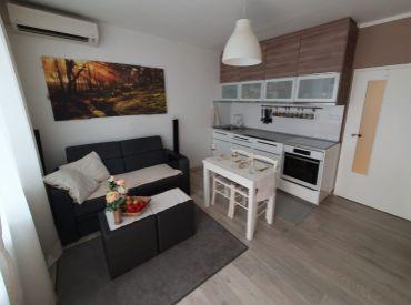 Prenájom 2 - izbového bytu na Mlynarovičovej ulici, Bratislava- Petržalka.