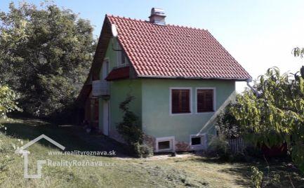 Chata s vinicou v obci Hrušov
