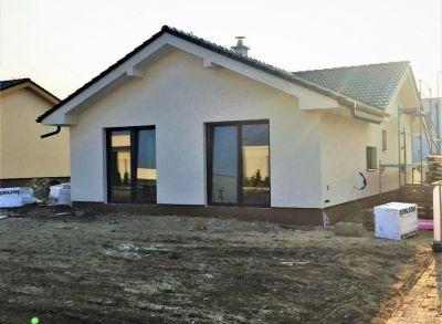 Posledný 4-izbový bungalov osadený na rožnom pozemku 700m2 pozemku v Alžbetinom Dvore