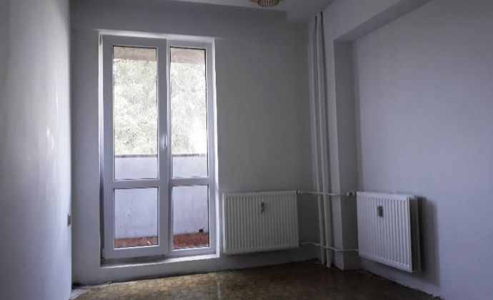 Dvojgarsónka s loggiou v najlepšom vchode na Stavbárskej ul. č.34, BA II - Vrakuňa
