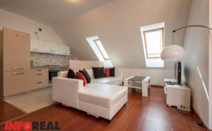 EXKLUZÍVNE: 4 izb. byt, HLAVNÁ ULICA, 101 m2, 2x kúpeľňa, podkrovie, Historická budova