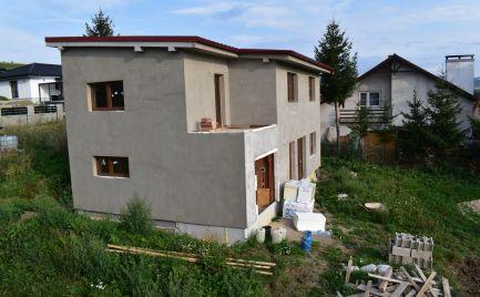 Krásny dvojpodlažný rodinný dom nachádzajúci sa v obci Bitarová !!!