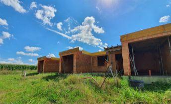 Novostavby atraktívnych rodinných domov v novovybudovanej lokalite Záblatie - Ohrádky