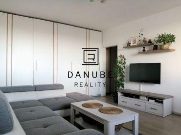 Prenájom kompletne zrekonštruovaný dvojizbový byt na Mánesovom námestí v Petržalke