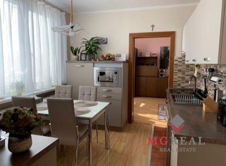 4 izbový  byt s dvomi balkónmi garážou Bošany / VYPLATENA ZALOHA