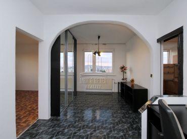 PREDAJ - 3 izbový byt na ulici Budatínska
