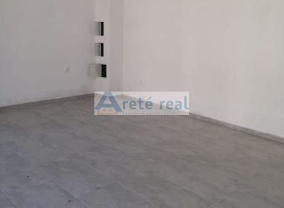 Areté real, Prenájom 28,2 m2 obchodného priestoru s parkovacím miestom v priamom centre mesta Pezinok