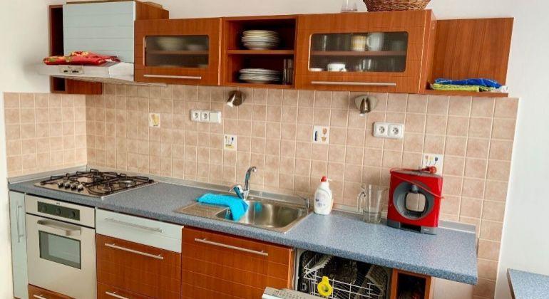 Prenájom 1 izbový byt Bratislava-Staré Mesto, Odborárske námestie