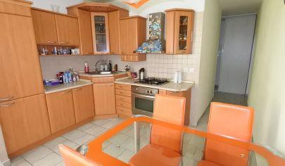 Exkluzívne iba v APEX reality 3i. byt s balkónom po rekonštrukcii, Vinohradská ul., 72 m2