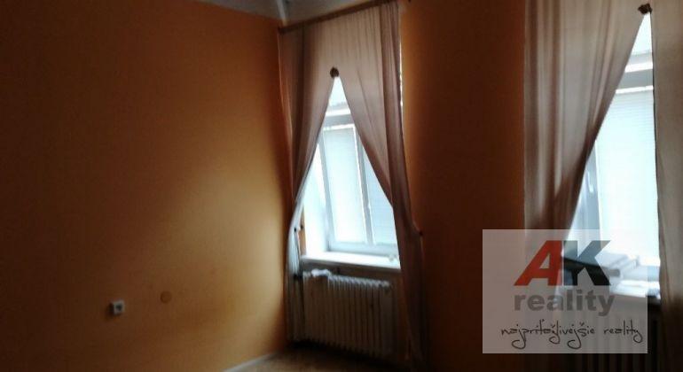 Predaj 2 izbový byt Bratislava-Staré Mesto, Medená ulica