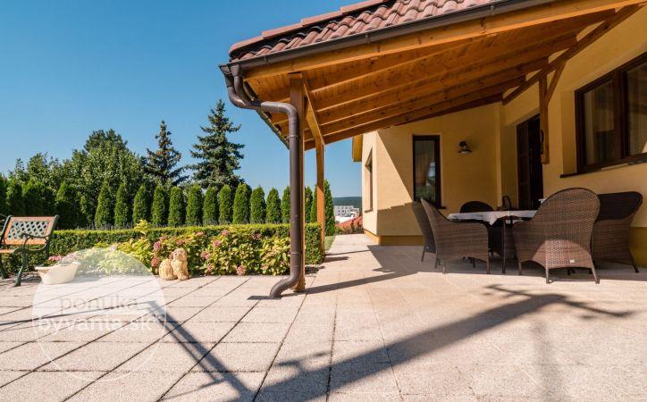 PREDANÉ - PEZINOK, 6-i dom, 314 m2 - POZEMOK 1240 m2 s dostatkom súkromia, BLÍZKO CENTRA, vykurovaný bazén