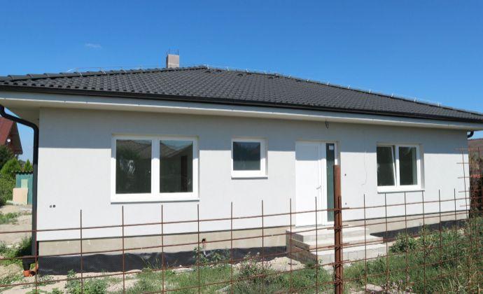 Novostavba 4-izbového bungalovu, 6 árový pozemok