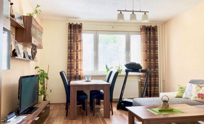 PRENÁJOM kompletne zariadený 3 izbový byt, 72 m2, P. J. Šafárika, Prievidza