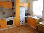 3 izbový byt Námestie Hraničiarov slnečný,prerobený - Petržalka