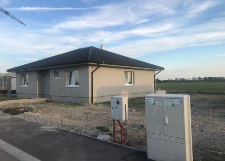 Samostatný moderný priestranný bungalov v novej lokalite Miloslavov - Vinna Alej I.