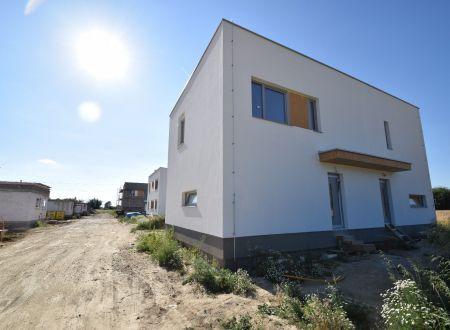 Nový 3 izbový rodinný dom P12-B2-Š / Sokolovce