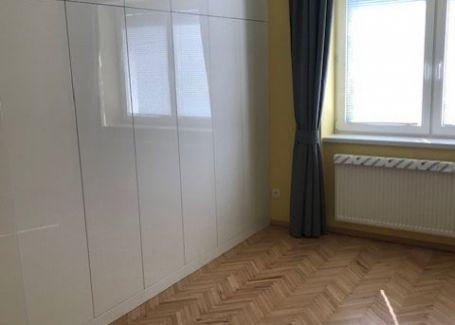 Krásny byt po kompletnej rekonštrukcii v tichom, prírodnom prostredí v meste Svit - časť Podskalka