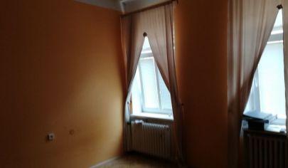 Na predaj 2.izbový byt, Staré Mesto, Medená.