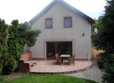 SENEC – NA PREDAJ – 4-izbový  2- podlažný rodinný dom v tichej lokalite so záhradou blízko centra SENEC