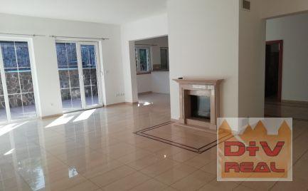 D + V real offers for rent: 6 bedroom family house, Lovinského street, Bratislava I, Old Town, unfurnished, outdoor swimming pool, fireplace, garden, parking for 3 cars