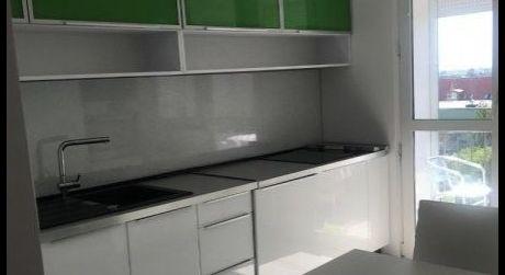 Kuchárek-real: Ponuka 3 izbového bytu v centre mesta,Senec.