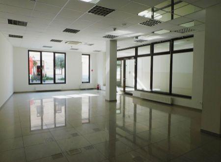 Na prenájom 102,59 m² obchodný priestor v centre Trnavy