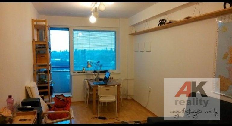 Predaj 1 izbový byt Bratislava-Rača, Račianska ulica