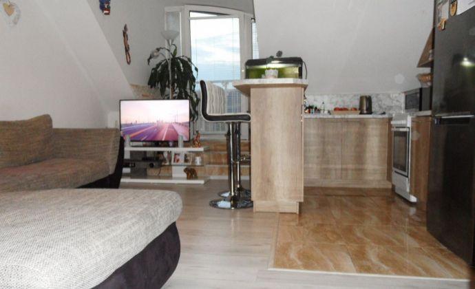 Na predaj nádherný 2 izbový byt s balkónom, Kollárová ulica, Senec.
